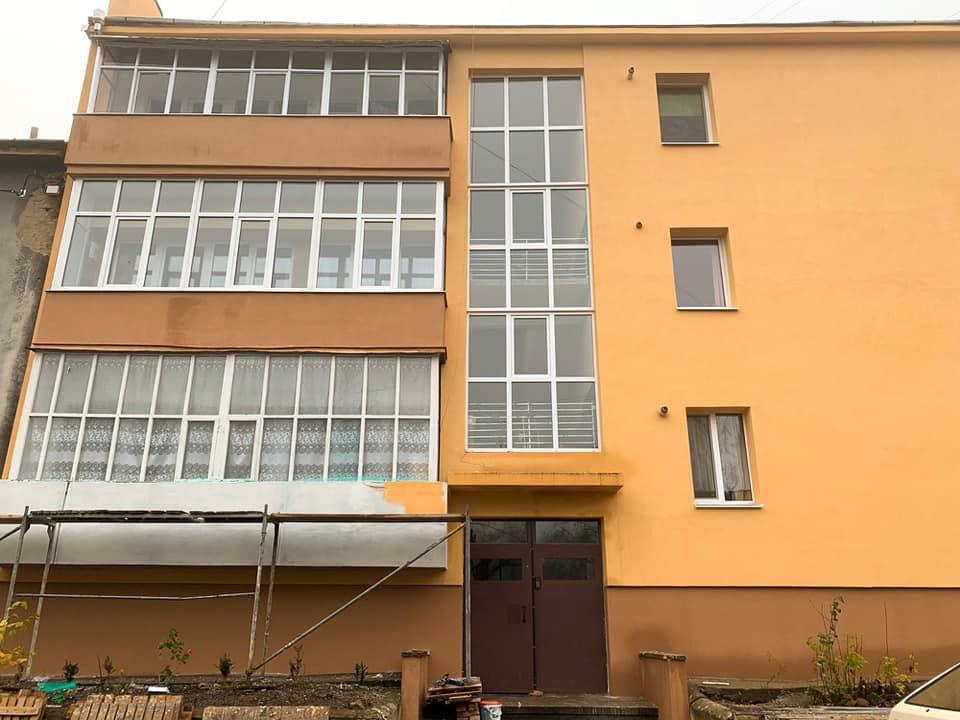 Ініціативні франківці домоглися ремонту 55-річного будинку (ФОТО)