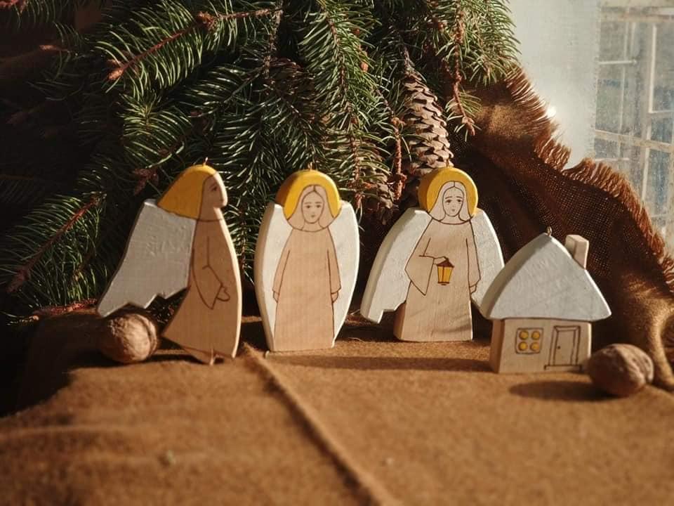 Ветерани АТО виготовляють новорічні прикраси та іграшки з дерева (ФОТО)