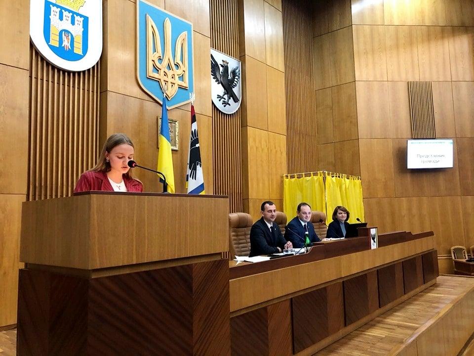 Франківські учні захотіли чаювати з міськими депутатами (ФОТО)