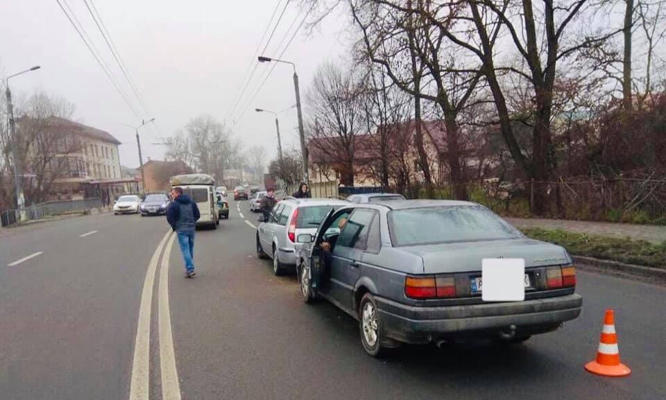 У приміському селі зіткнулися три автівки: один з водіїв був п'яний (ФОТО)