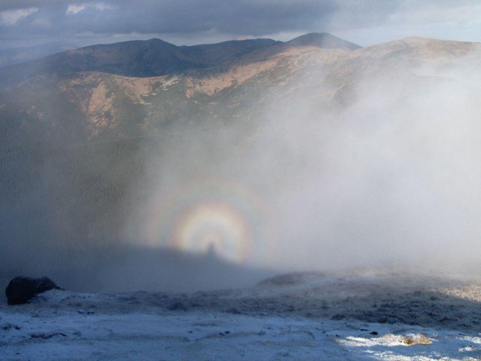 На Прикарпатті в об'єктив камери потрапила гірська примара (ФОТОФАКТ)