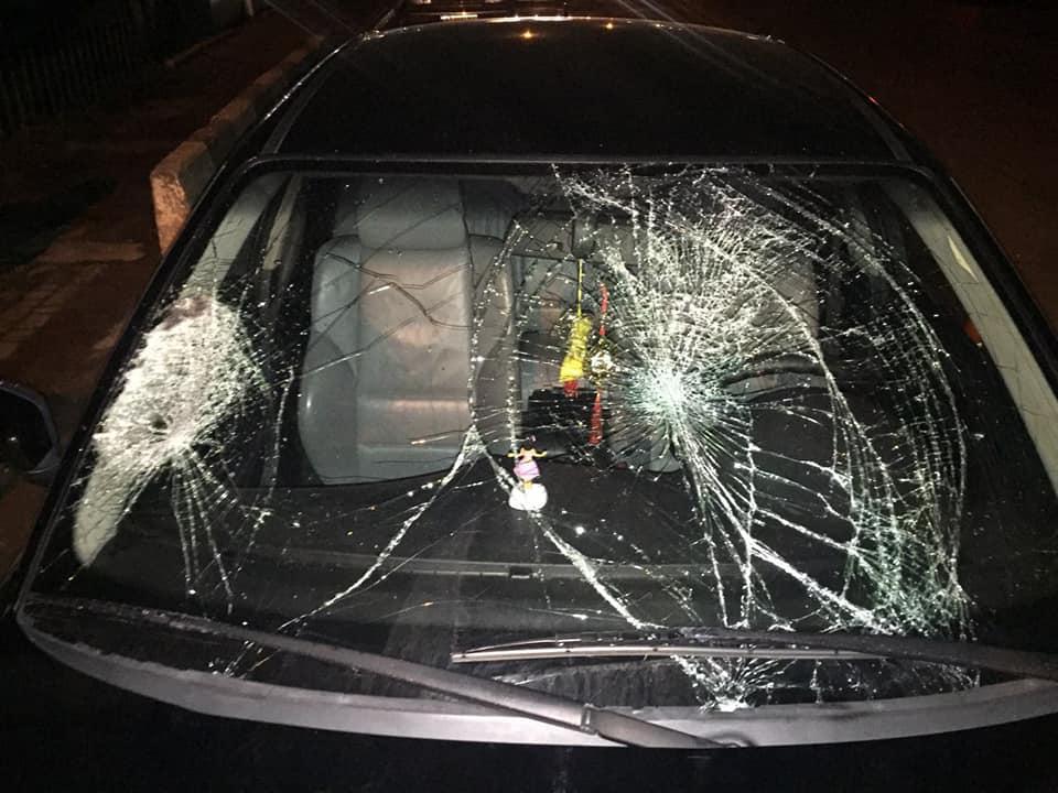 У Крихівцях юний водій BMW збив двох людей на переході та пошкодив чуже авто (ФОТО, ОНОВЛЕНО)