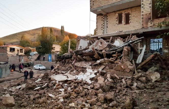В результаті потужного землетрусу в Албанії за останніми даними постраждали 325 осіб