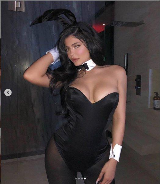 Найбагатша дівчина світу спокусила мережу сексуальним Playboy-образом (ФОТО)