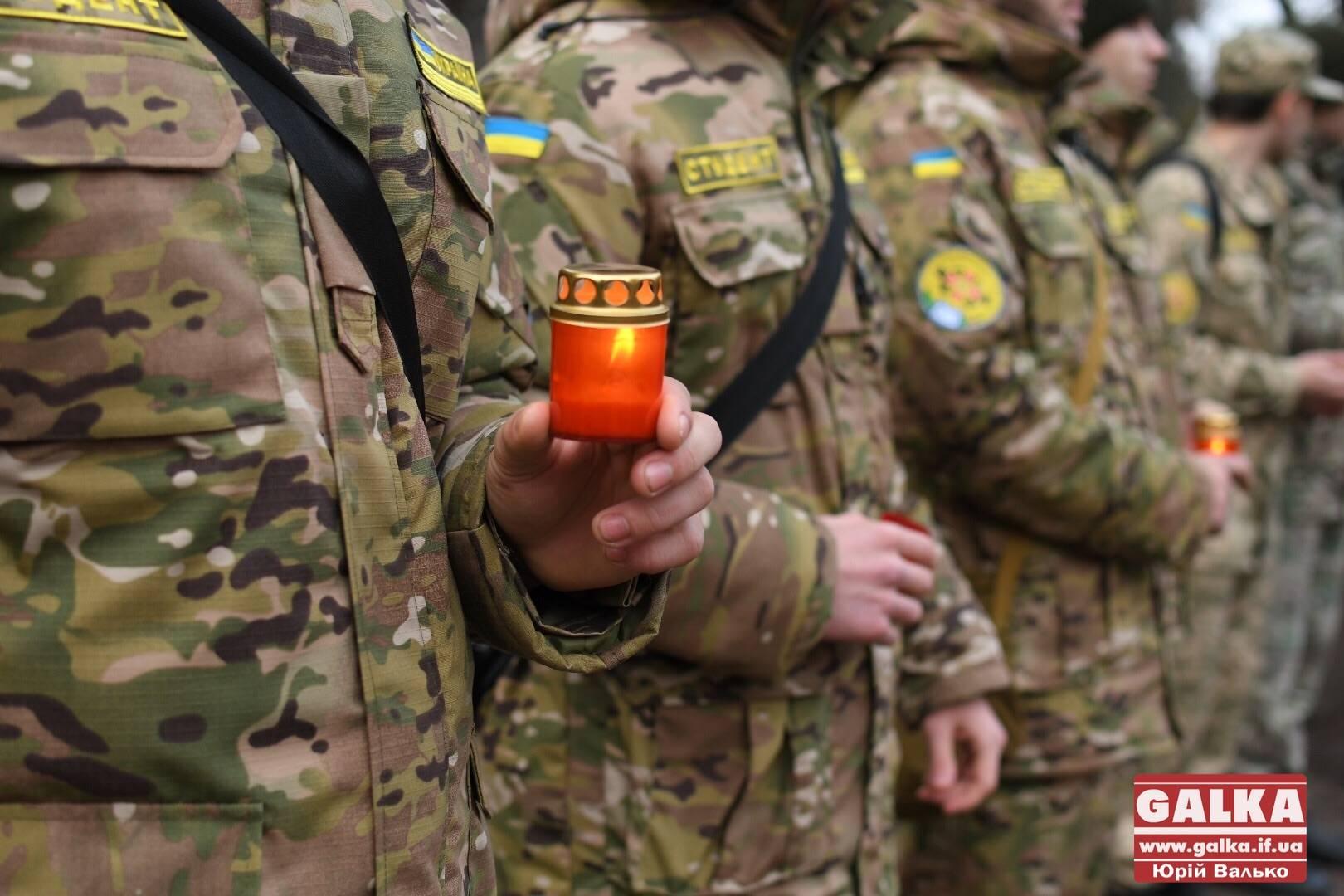 """Цьогоріч троє бійців прикарпатської """"десятки"""" загинули від снайперської кулі на Донбасі"""