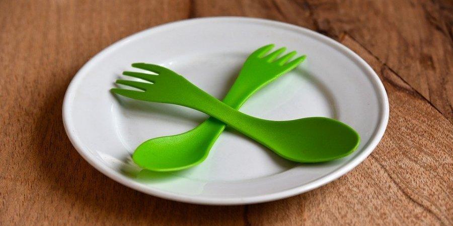 У Білорусі вирішили заборонити пластиковий посуд в кафе і ресторанах