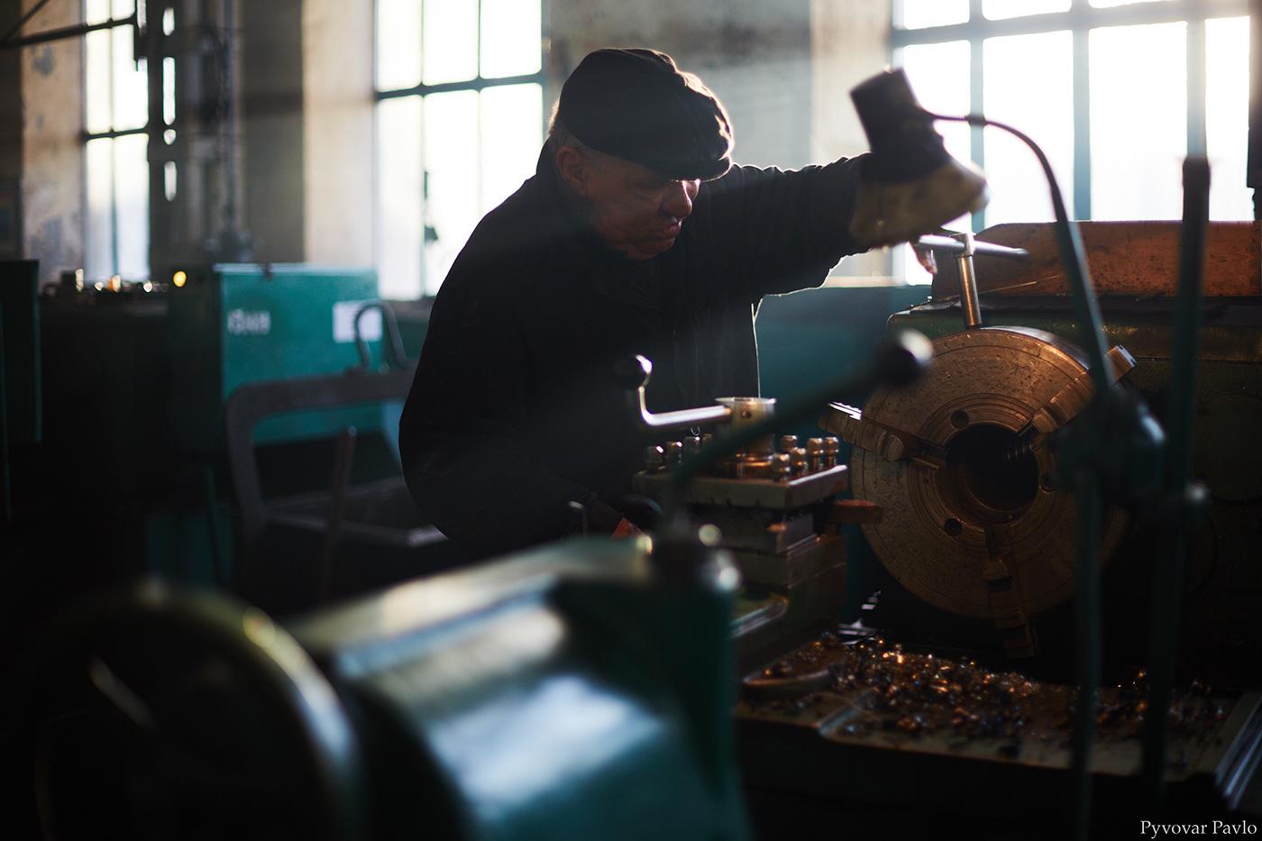 Замовлення на 100 мільйонів отримав Локомотиворемонтний завод - бракує працівників (ФОТО)