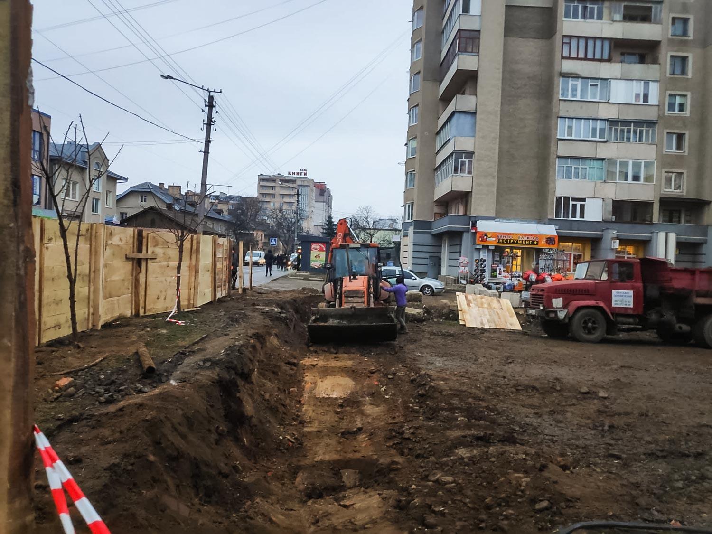 На місці з'єднань двох бульварів активізувалися будівельні роботи (ФОТО)