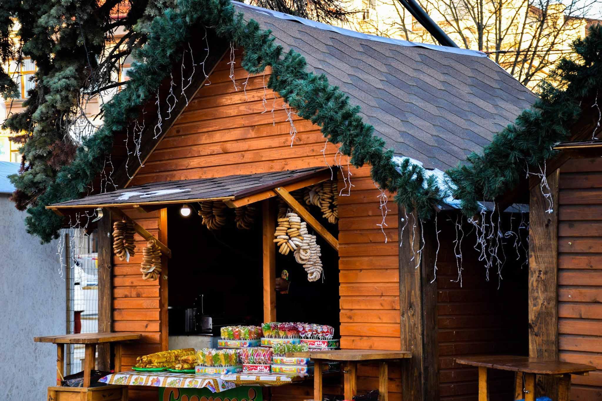 У Палац Потоцьких кличуть підприємців – торгувати на Різдвяному ярмарку