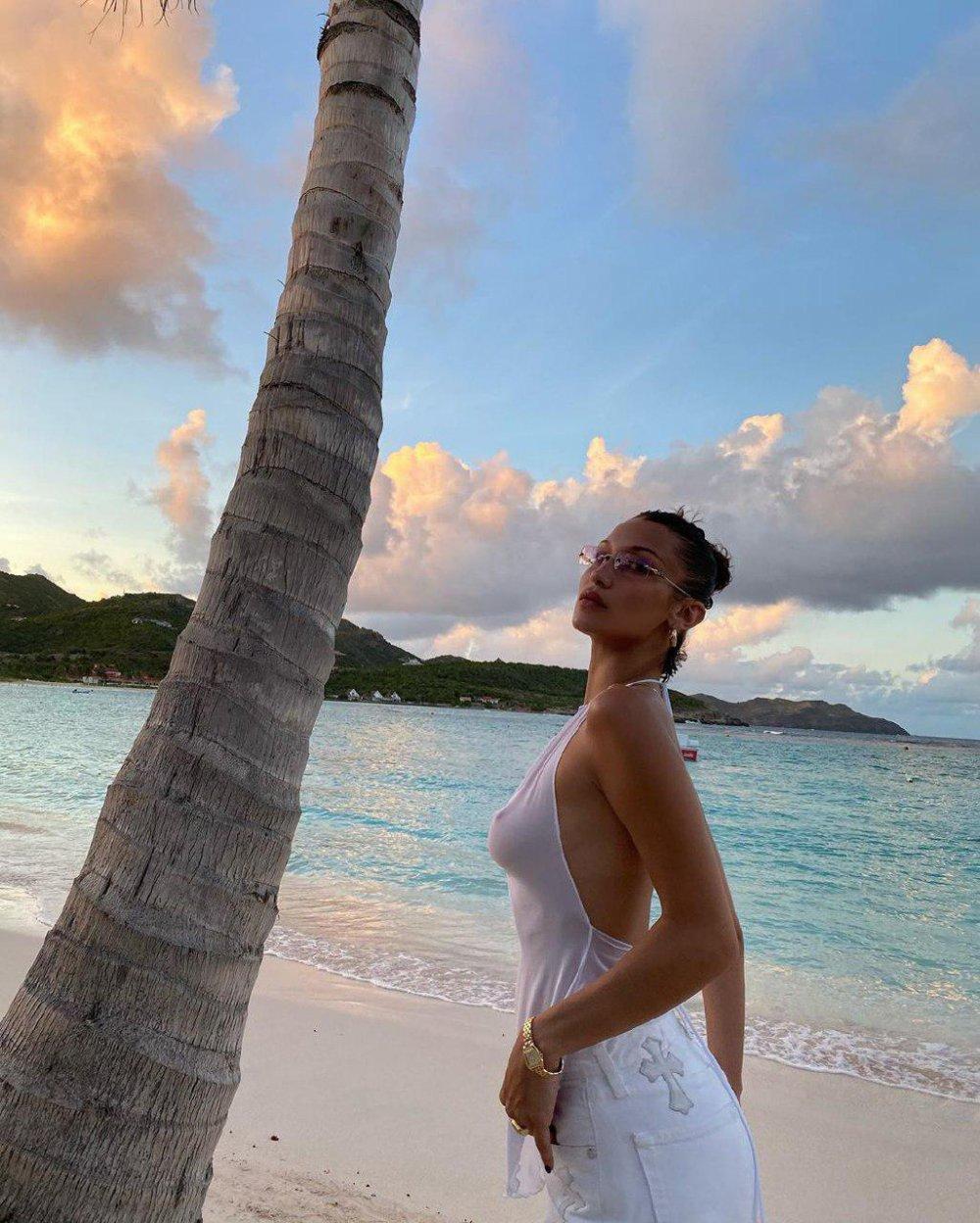 Найгарніша модель світу cфотографувалася на пляжі без білизни (ФОТО)
