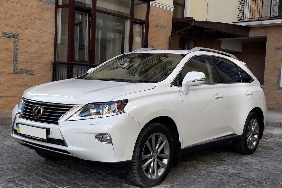 На документах Lexus'а депутата обласної ради виявили ознаки підробки