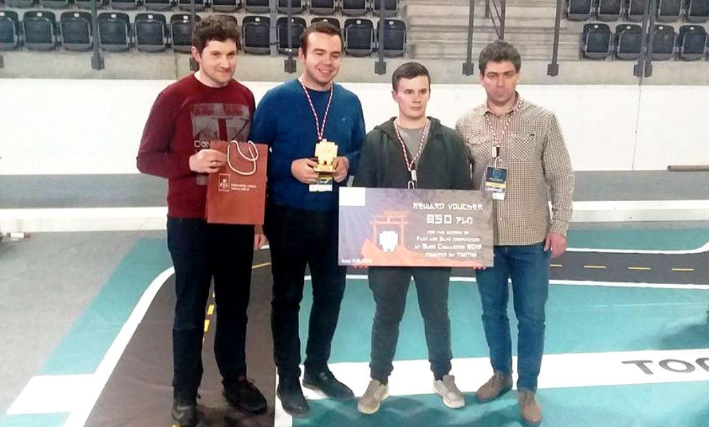 Франківські робототехніки перемогли на міжнародному конкурсі (ФОТО)