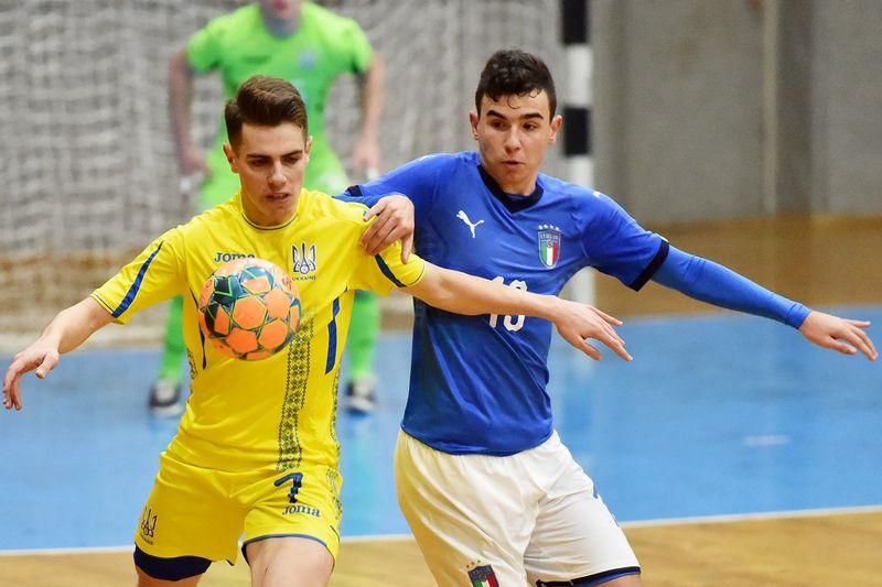 Двох франківських футзалістів визнали найкращими в Україні (ФОТО)