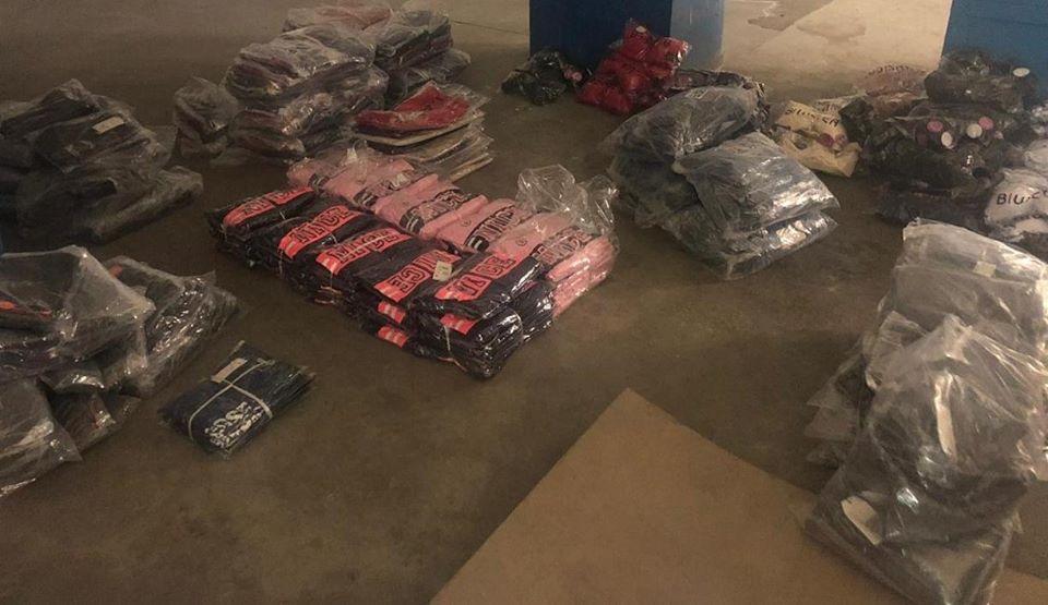 Близько 1000 светрів, штанів і костюмів намагалися незаконно ввезти прикарпатці в Україну (ФОТО)
