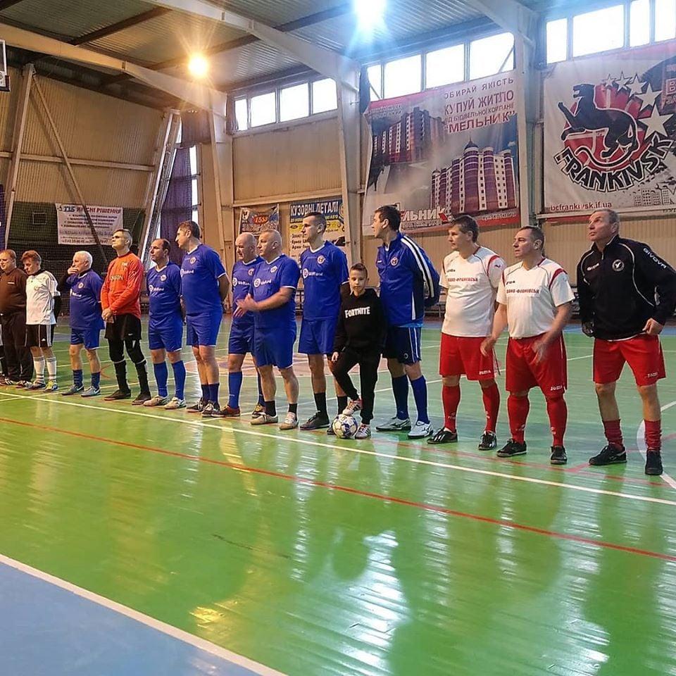 Турнір з міні-футболу до річниці народження Бандери стартував у Франківську (ФОТО)