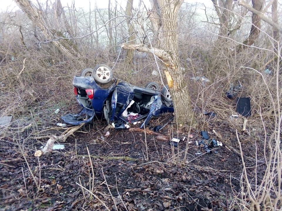 На Рогатинщині машина злетіла з дороги – є двоє загиблих (ФОТО)