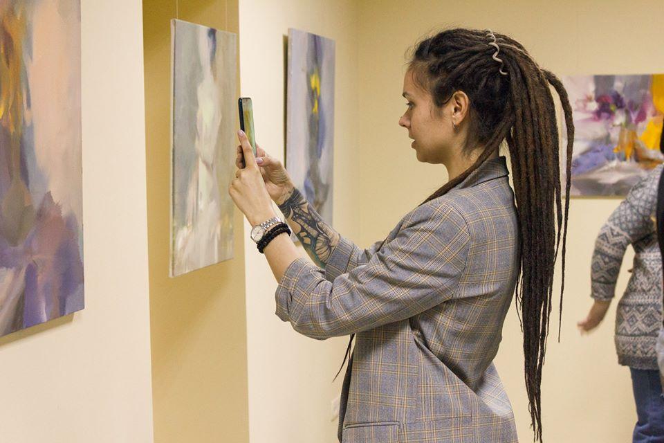 Художник Юрій Писар презентував виставку олійного живопису (ФОТО)