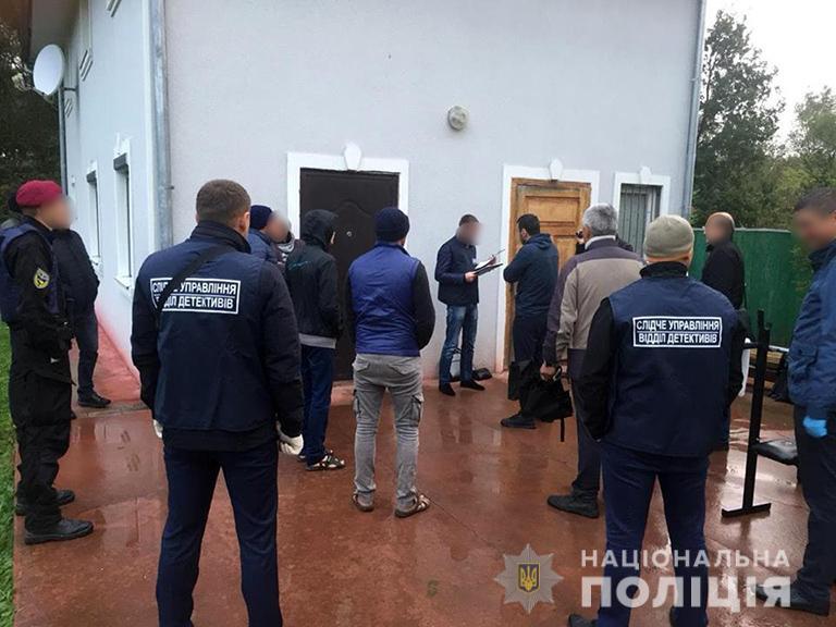 Поліція спіймала ще одного учасника злочинної групи, яка у Коломиї тримала в рабстві 32 людей