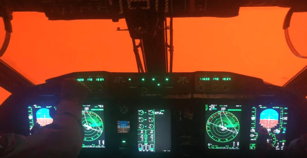 Політ у пекло: в яких умовах працюють пілоти, які борються з лісовими пожежами в Австралії (ВІДЕО)