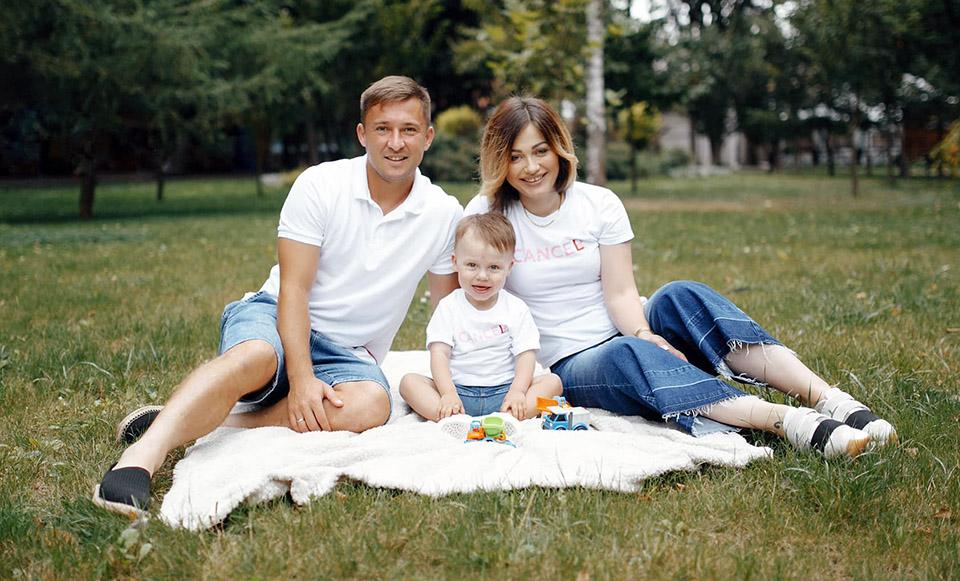 Родина Бочкурів: «Боротьба з онкологією триває». Допоможемо капітану «Прикарпаття»!