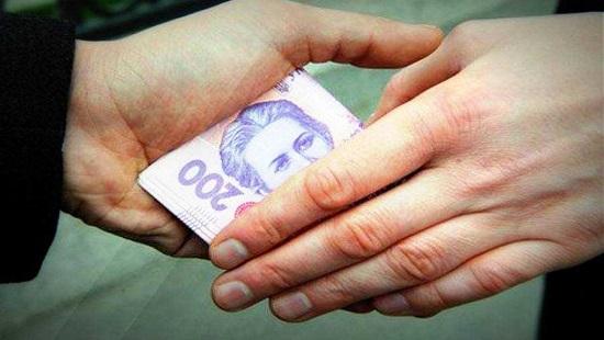 Судитимуть франківського ветінспектора, котрий брав гроші за видачу свідоцтв безпеки продуктів
