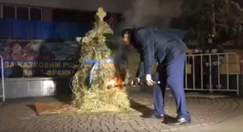 Мер Івано-Франківська очистив місто від злих сил (ВІДЕО)