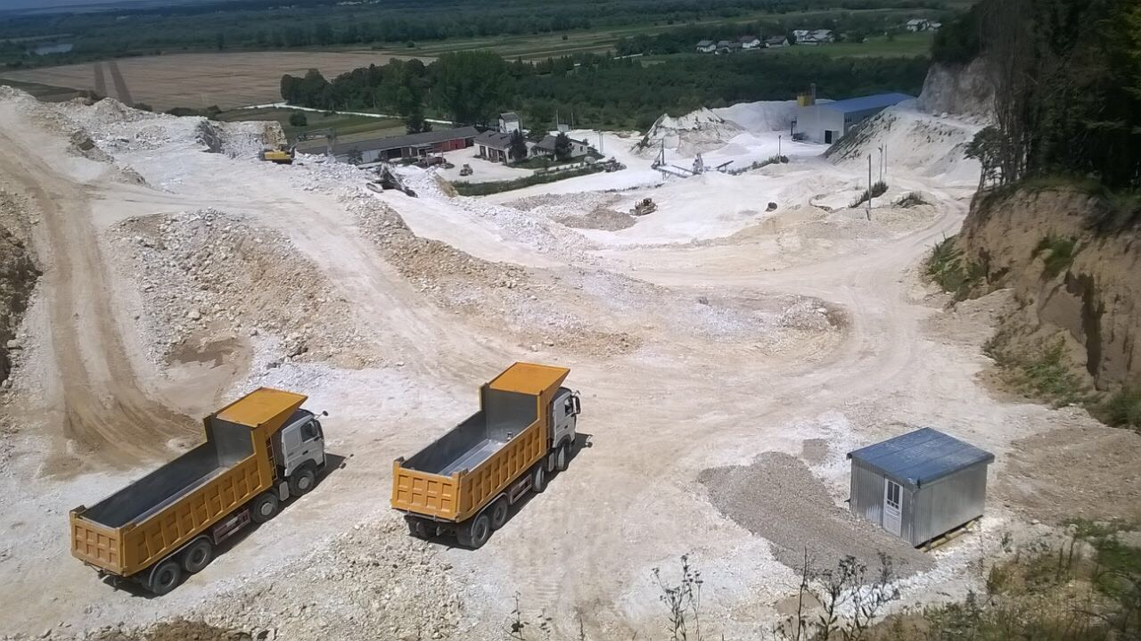 Інвестор комплексу з випалу вапна на Тисмениччині кличе протестувальників і громадськість на зустріч