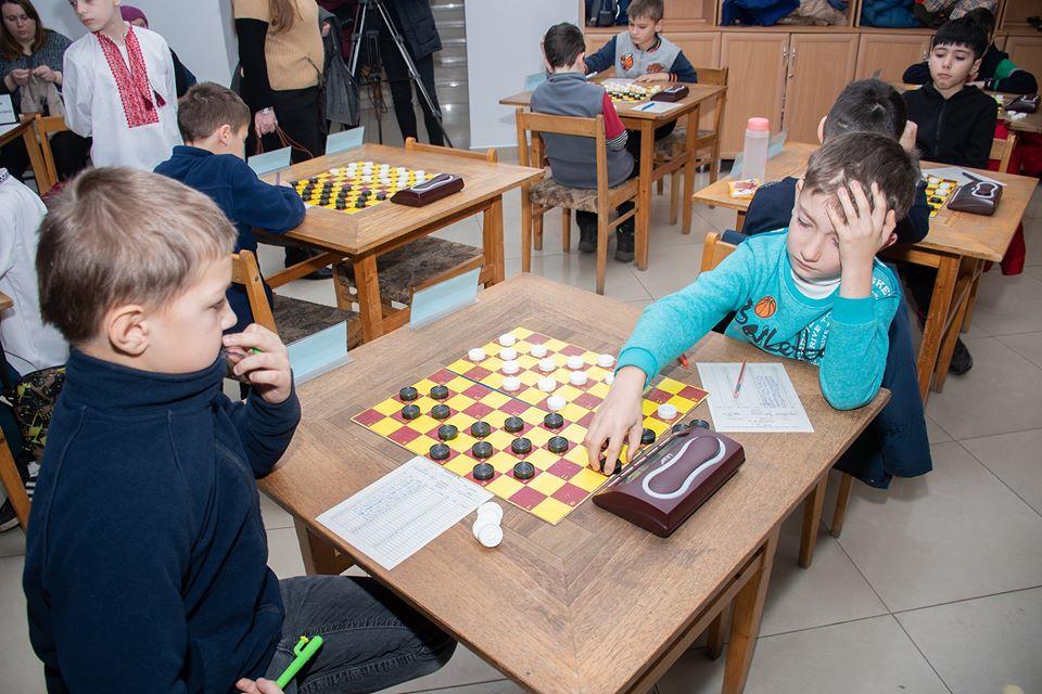 До Франківськаз'їхалися понад 80 шахістів на чемпіонат України (ФОТО)
