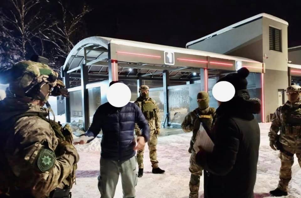 У Франківську затримали чотирьох сутенерів (ФОТО)