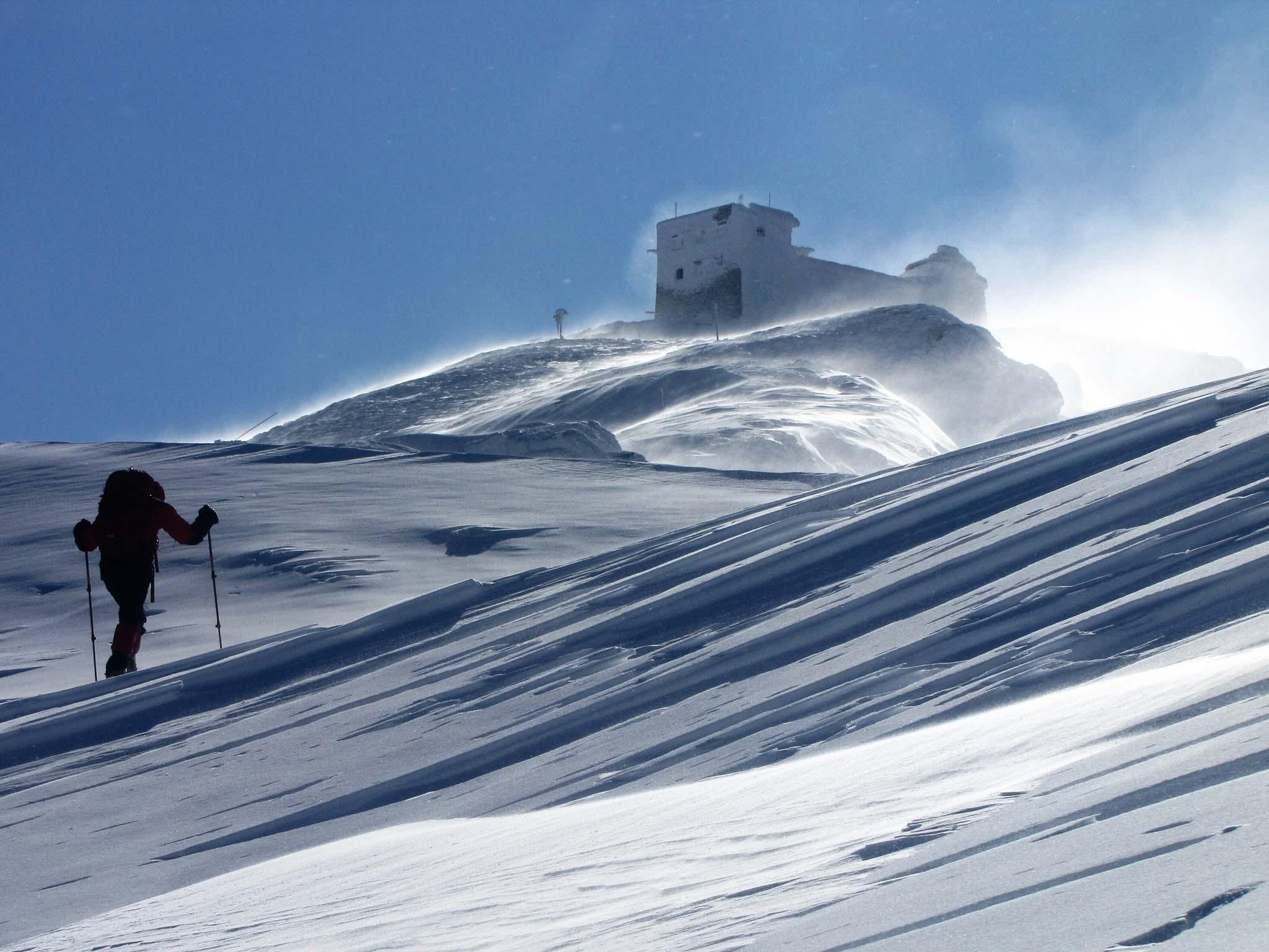 Казкові світлини з гори Піп Іван опублікували у мережі (ФОТО)