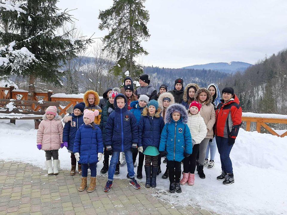 Для діток із центру соціально-психологічної реабілітації атовці влаштували мандрівку в гори (ФОТО)