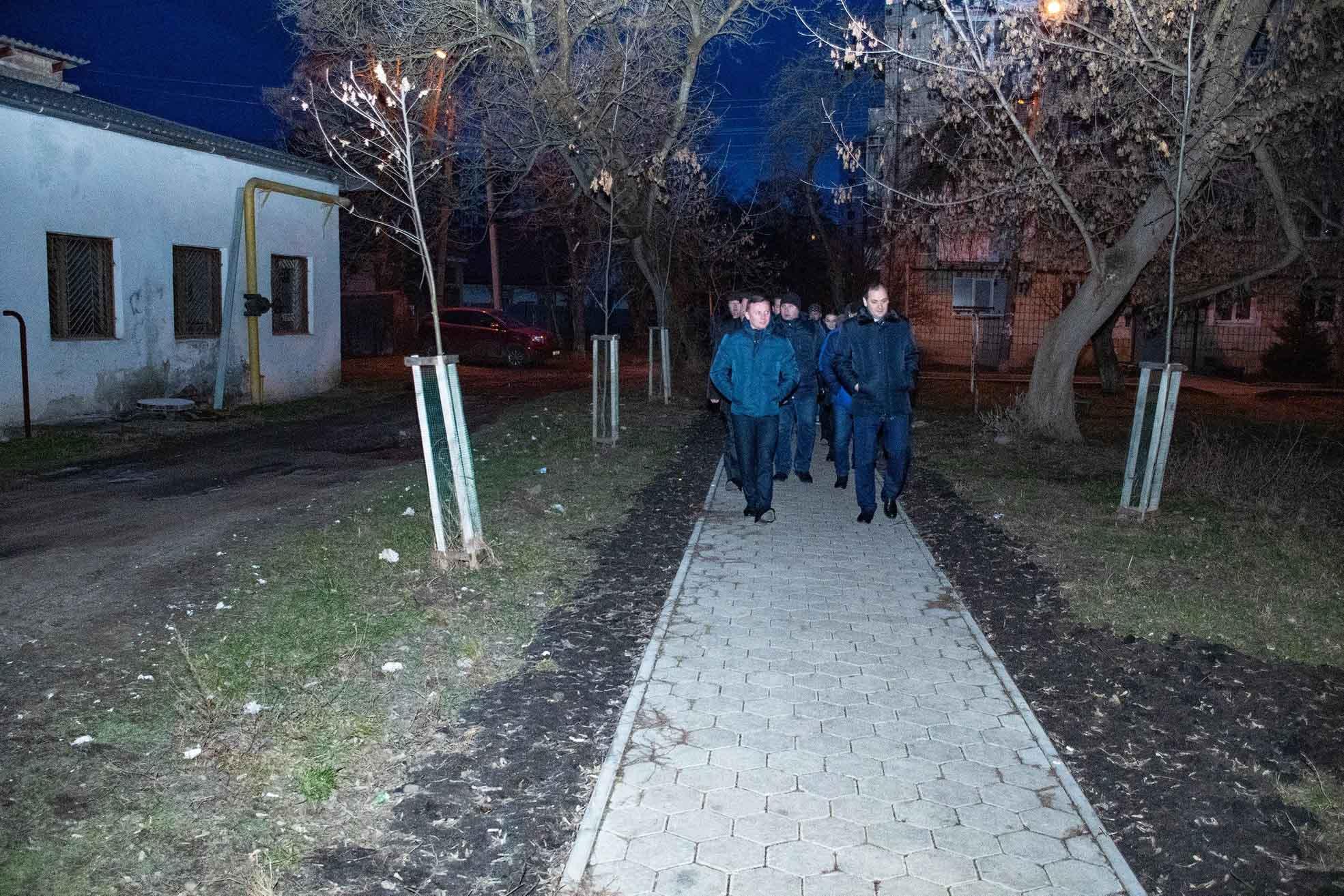 Марцінків удосвіта гуляв Набережною та сусідніми дворами (ФОТО)