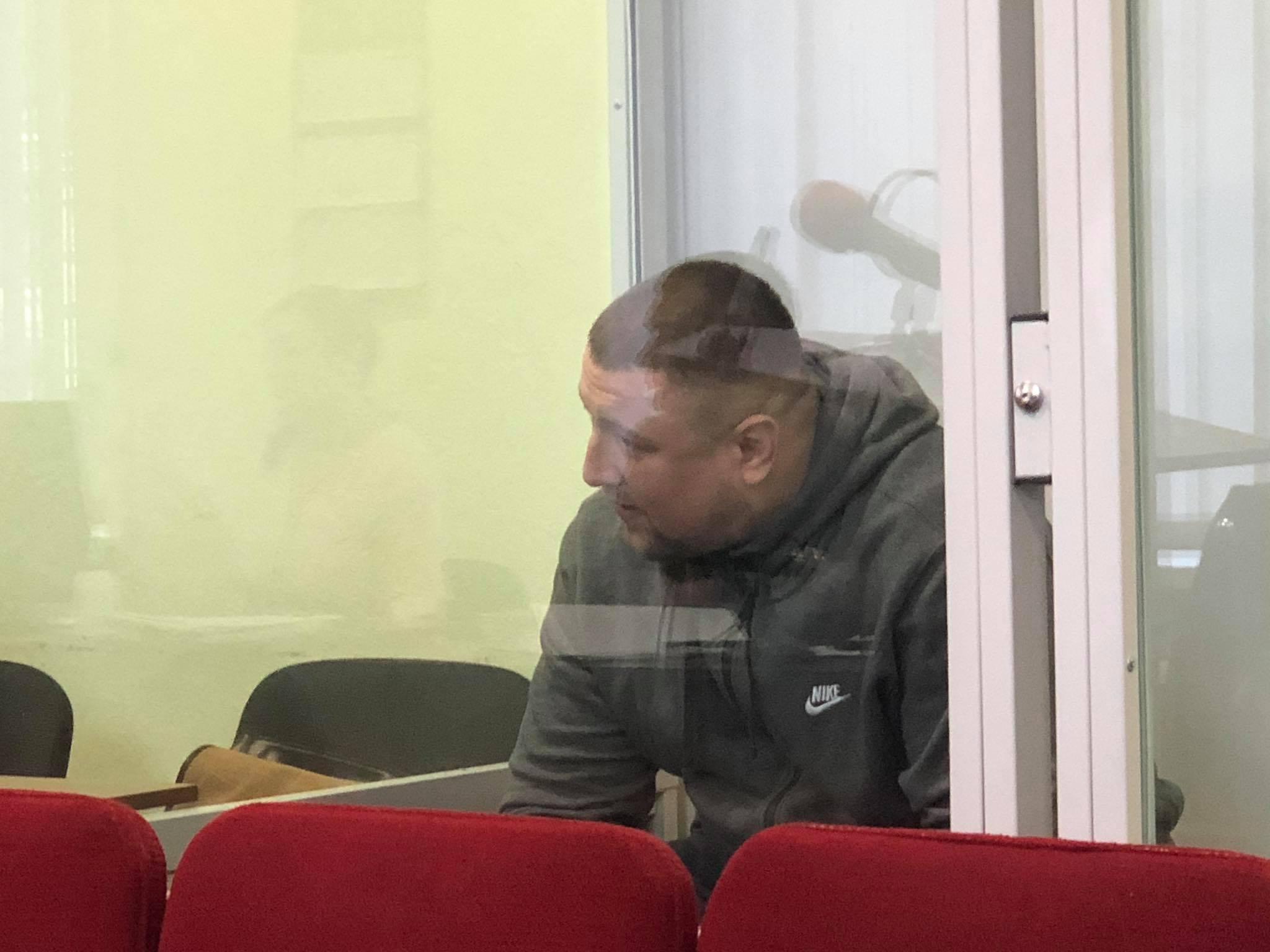 """Прокурор просить стрільцю з-під Ратуші 13 років тюрми, """"Дира"""" каже, що справу розглядають однобоко"""