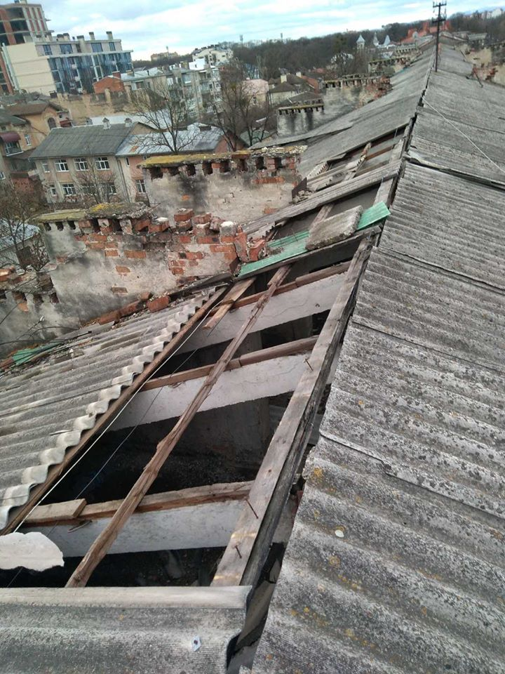Багатоквартирні будинки ремонтують у Франківську – додаткових нарахувань у платіжках не буде (ФОТО)