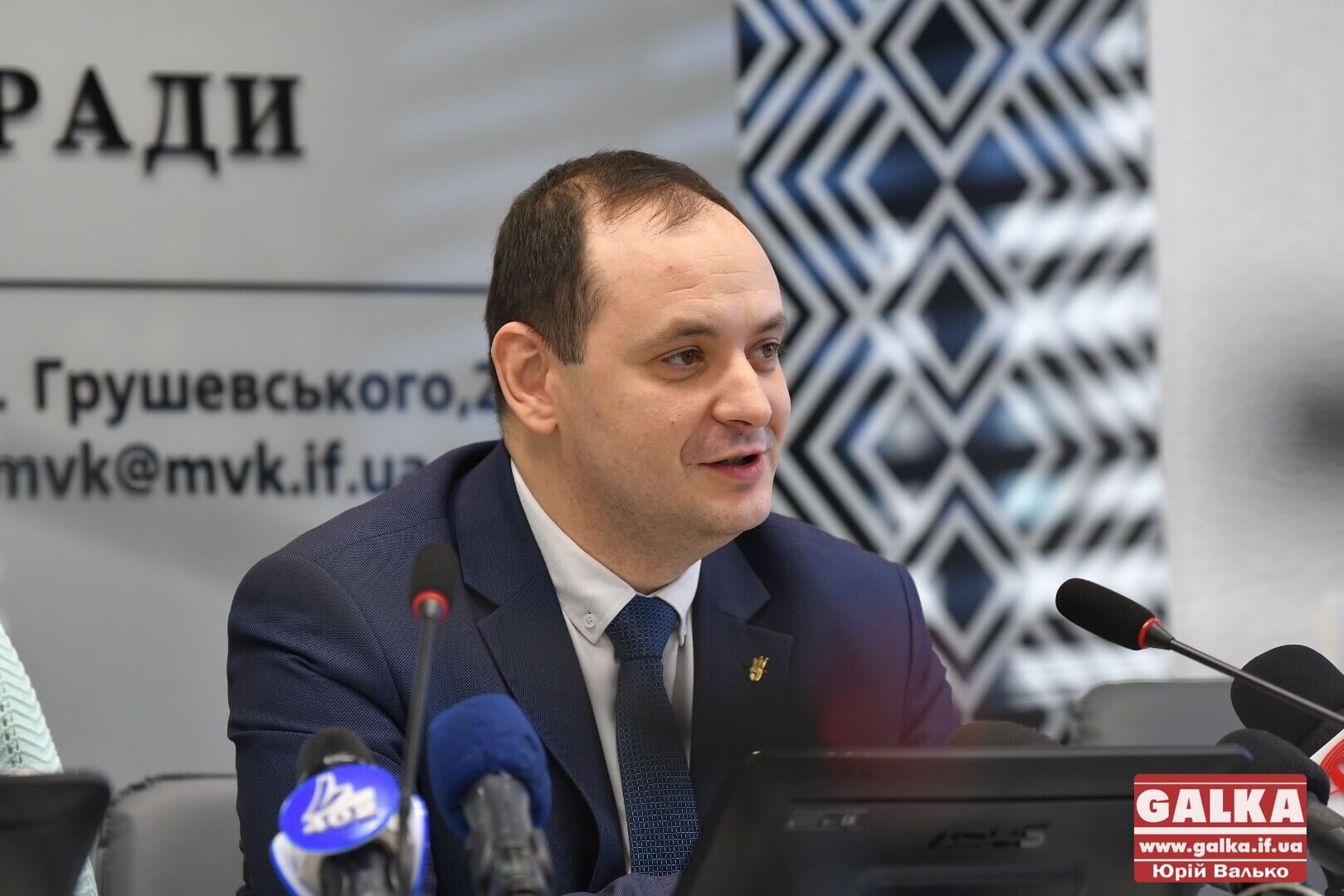 """Марцінків випробував свої антитіла в палаті з """"ковідними"""" хворими (ВІДЕО)"""