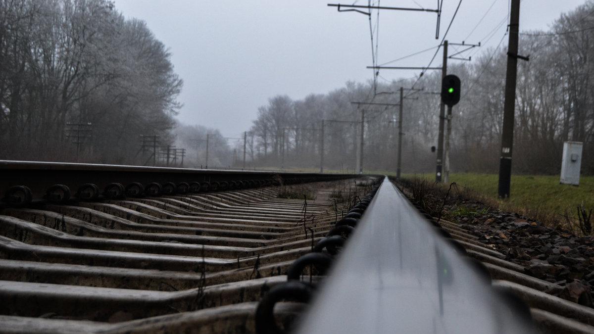 Через стихію перестали курсувати сім приміських потягів на Франківщині (СПИСОК)