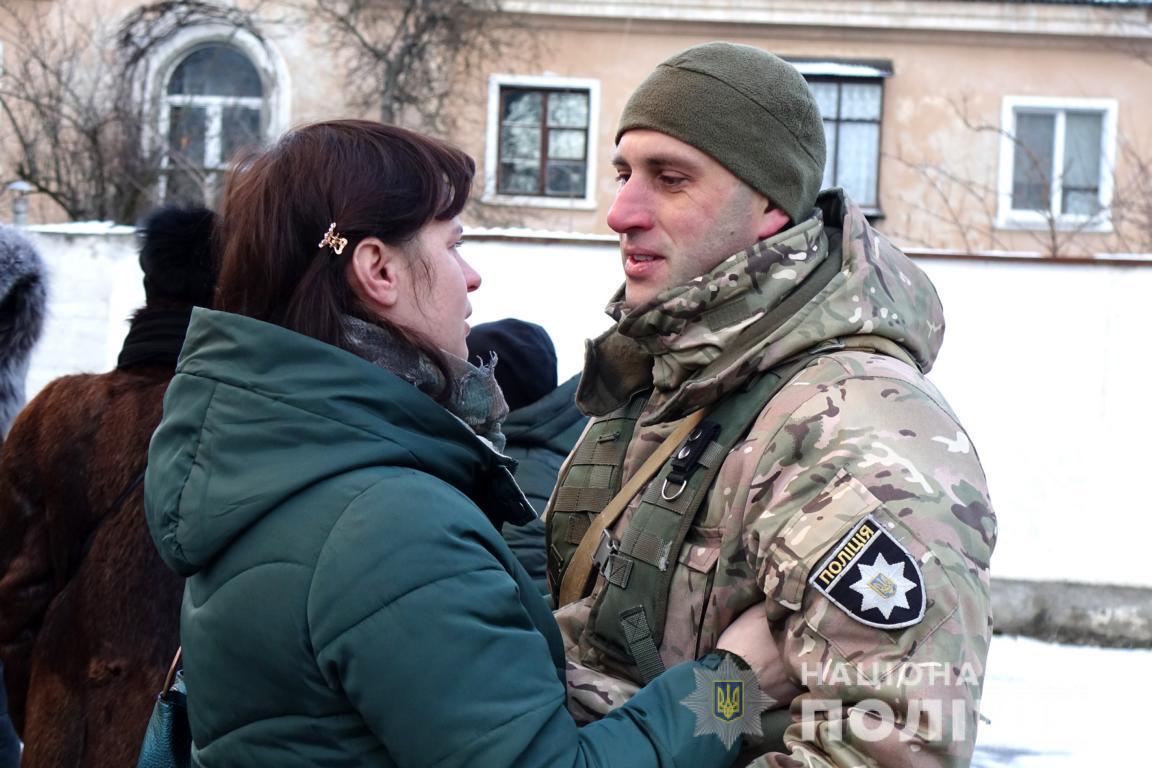 Поліціянти Франківщини вкотре поїхали у службове відрядження на Донеччину (ФОТО)