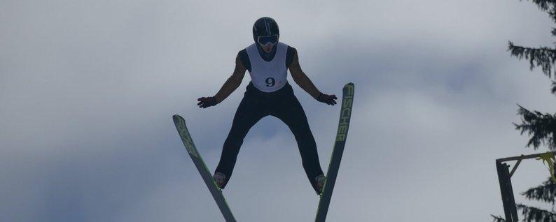 Прикарпатець став чемпіоном України з лижних стрибків на 90-метровому трампліні (ФОТО)
