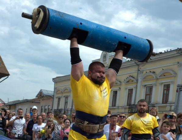 Кардіо чи силові!? Який вид тренувань ефективніший для схуднення!? Поради від богатиря-рекордсмена Володимира Пиндуса