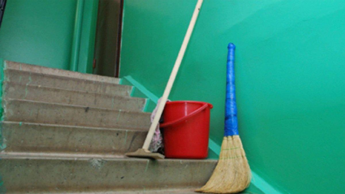 Іванофранківці зможуть контролювати графік прибирання під'їздів онлайн