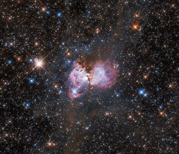 """Телескоп Hubble зняв яскраву """"зоряну колиску"""" в туманності Тарантул (ФОТО)"""