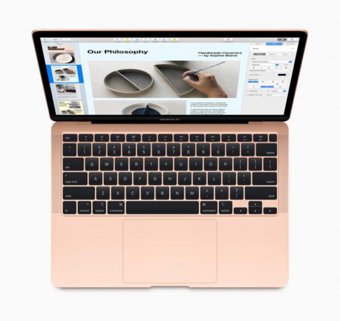 """Apple презентувала новий MacBook Air з клавіатурою-""""ножицями"""""""