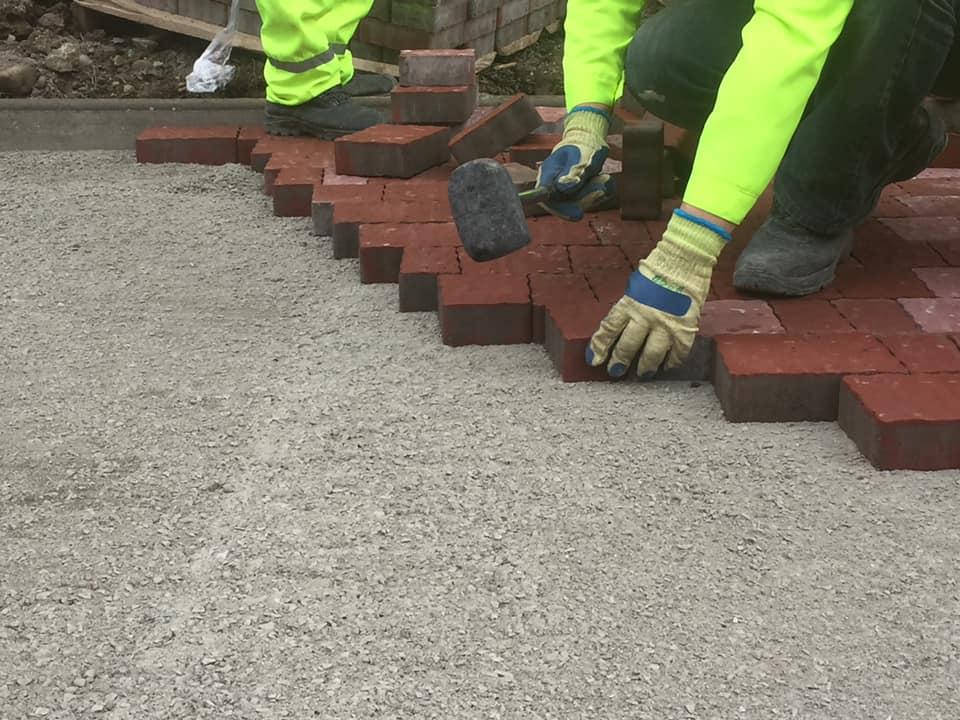 З'єднання бульварів: робітники облаштовують пішохідну зону (ФОТО)