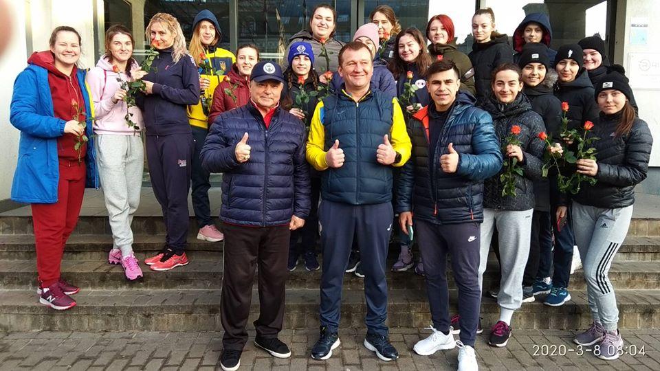 """Два """"срібла"""" та """"бронзу"""" везуть прикарпатські боксерки з турніру в Латвії"""