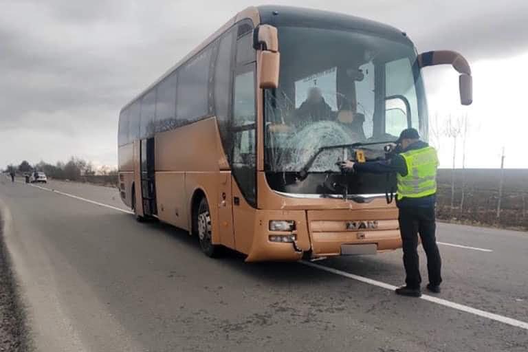На Прикарпатті пасажирський автобус на смерть збив чоловіка (ФОТО, ОНОВЛЕНО)