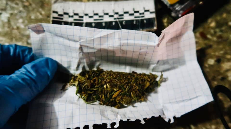У Франківську у 19-річного хлопця знайшли наркотики (ФОТО)