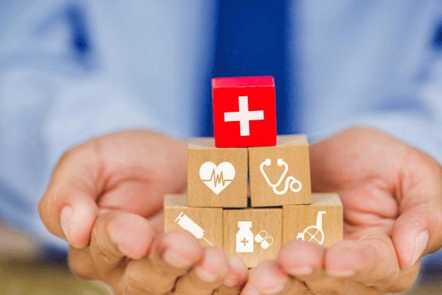 Медики вступили у важкий бій – франківським медзакладам потрібна допомога