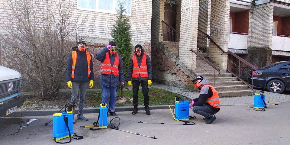 Франківців закликають допомагати у підтриманні чистоти під'їздів