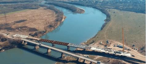 САД показав, як триває будівництво мостубіля села Сівка Войнилівська (ВІДЕО)