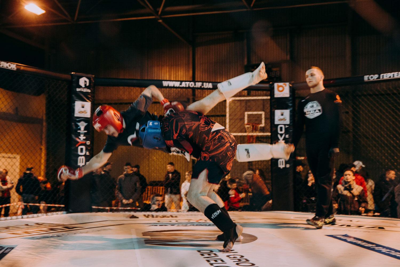 У Франківську визначили найсильніших бійців змішаного стилю (ФОТО)